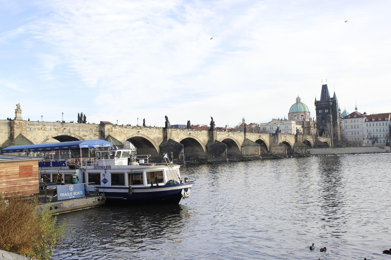prag-karl-koprusu-prag-charles-bridge