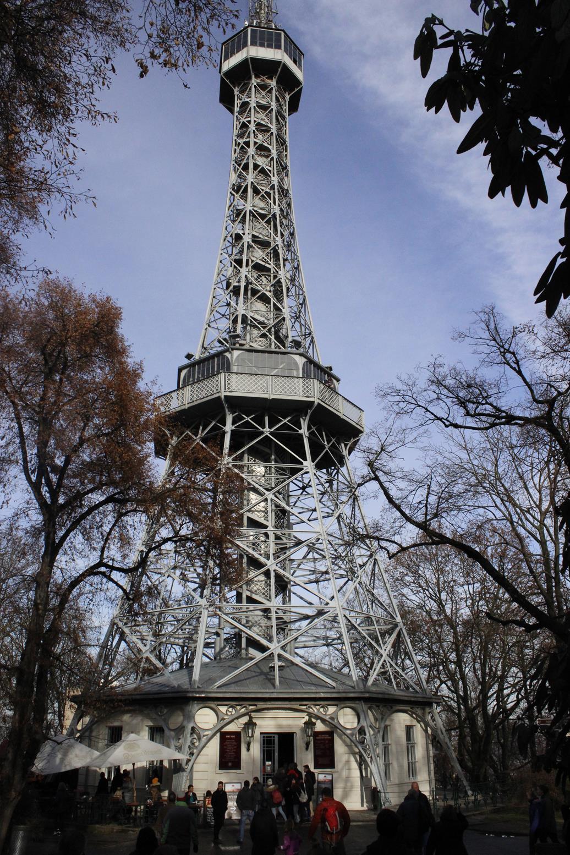 prag-petrin-tower-petrin-kulesi
